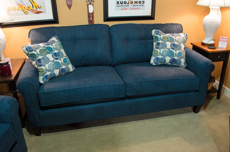 Lazy Boy Sofas And Chairs With Regard To Most Current La Z Boy – Laurel Sofa – Harris Family Furniture (Gallery 12 of 20)