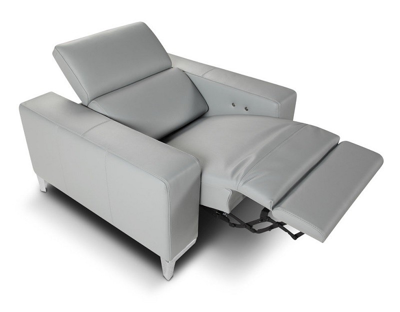 Recliner Sofa Chairs Intended For Widely Used Queen Italian Light Gray Leather Reclining Modern Sofa (View 15 of 20)