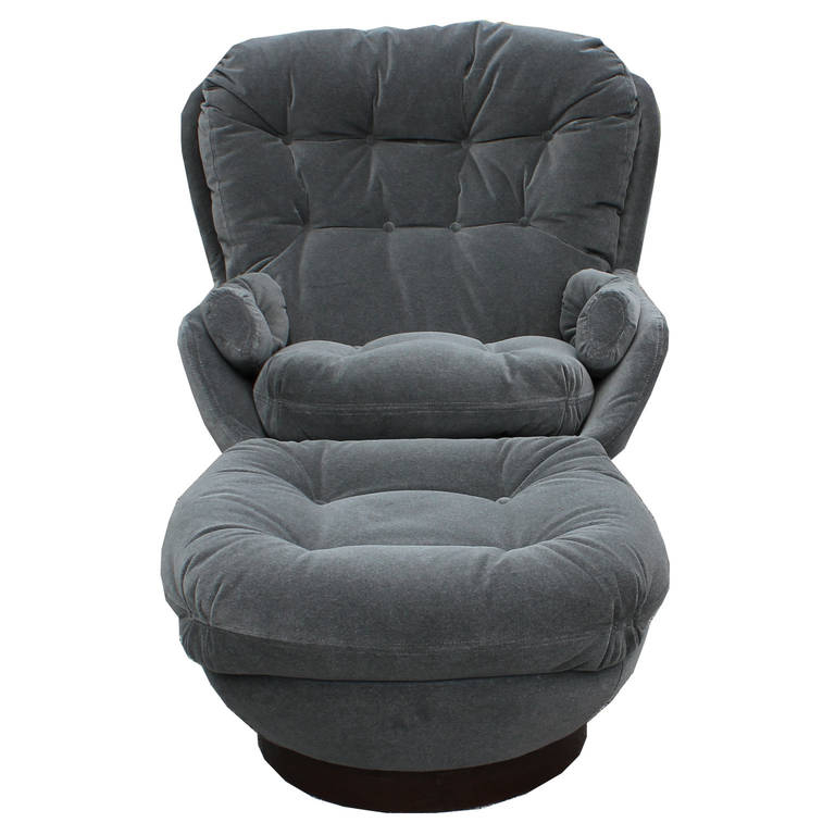 Stately Modern Grey Velvet Swivel Lounge Chair And Ottomanselig Throughout Newest Grey Swivel Chairs (View 18 of 20)