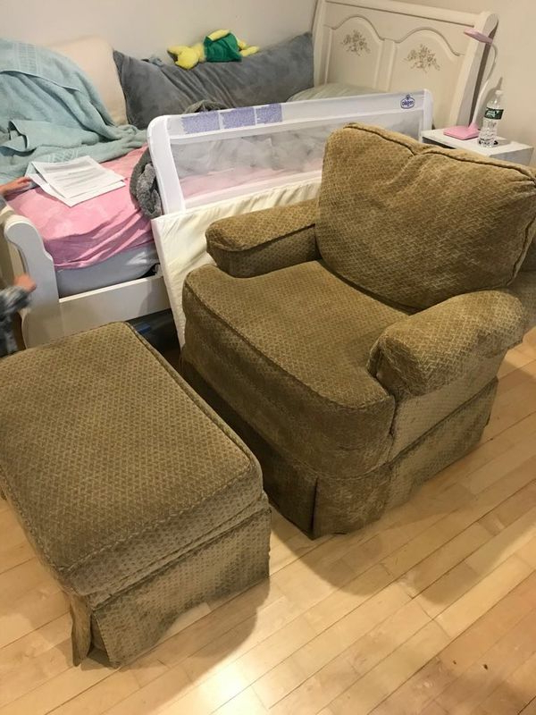 Well Known Sofa Chair With Ottoman With Regard To Sofa Chair With Ottoman (Furniture) In Canton, Ma – Offerup (View 20 of 20)