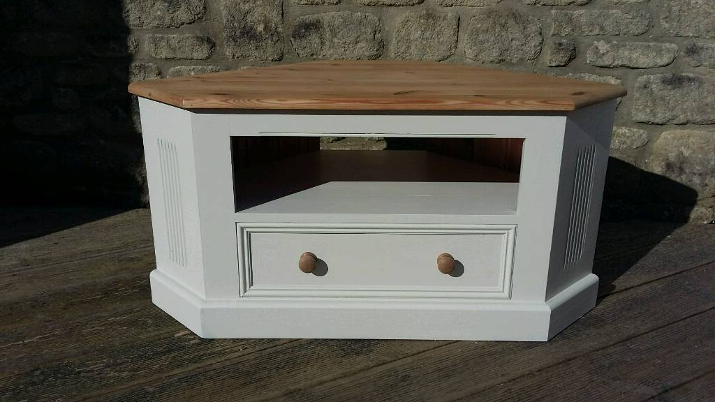 2017 Shabby Chic Corner Tv Unit With Solid Pine Corner Tv Cabinet Unit Painted In Farrow & Ball Off White (View 1 of 20)