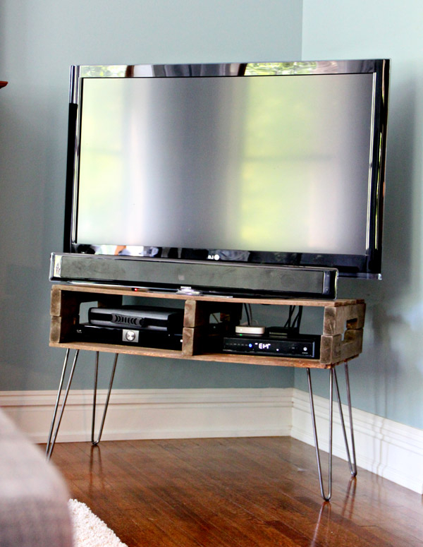 2018 13 Diy Plans For Building A Tv Stand (View 1 of 20)