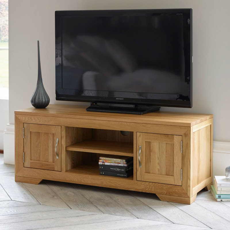 Bevel Natural Solid Oak Widescreen Tv Stand (View 6 of 20)