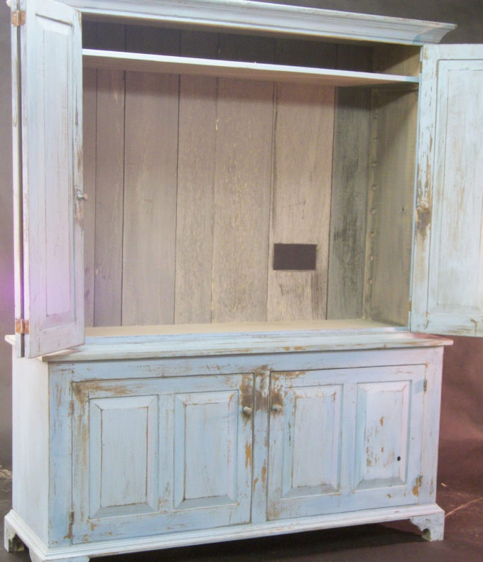 Cabinets: Lovely Enclosed Tv Cabinet Applied To Your House Idea With Regard To Trendy Enclosed Tv Cabinets For Flat Screens With Doors (View 1 of 20)