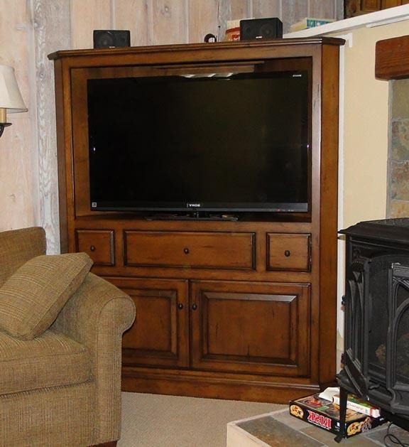 Corner Inside Oak Tv Cabinets For Flat Screens (View 5 of 20)