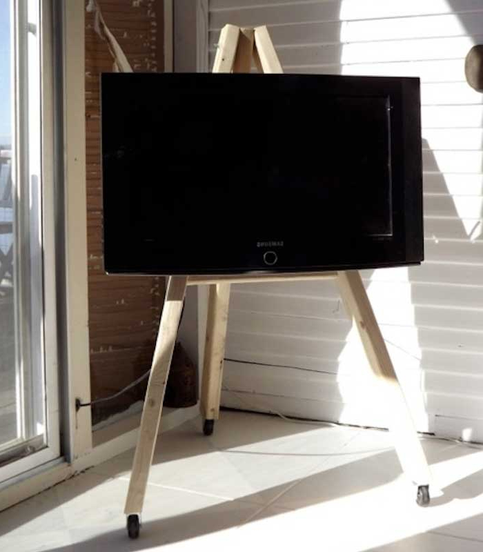 Easel Tv Stands For Flat Screens Pertaining To Most Up To Date 21+ Diy Tv Stand Ideas For Your Weekend Home Project (View 8 of 20)