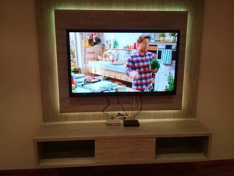 East For White Wall Mounted Tv Stands (View 3 of 20)