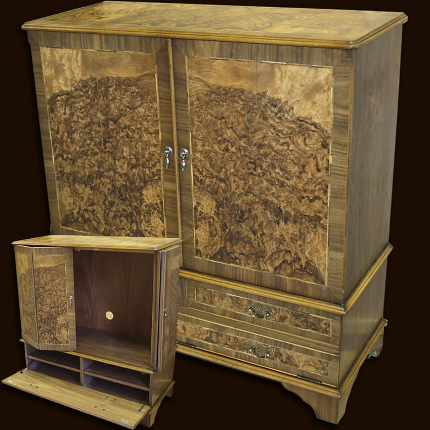 Enclosed Reproduction Tv Cabinet In Yew,mahogany,oak And Bespoke With Regard To Well Known Enclosed Tv Cabinets With Doors (View 6 of 20)