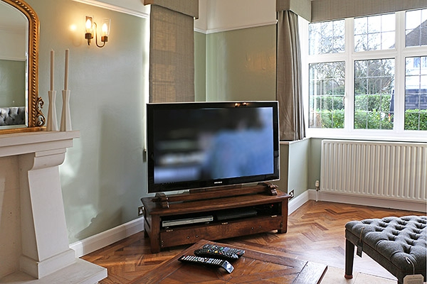 Favorite Traditional Tv Cabinets Intended For Traditional Oak Tv Stands And Cabinets In Period Interiors (View 3 of 20)
