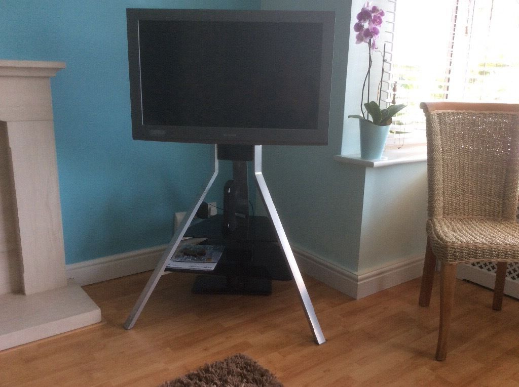 Gumtree Within Unusual Tv Stands (View 8 of 20)