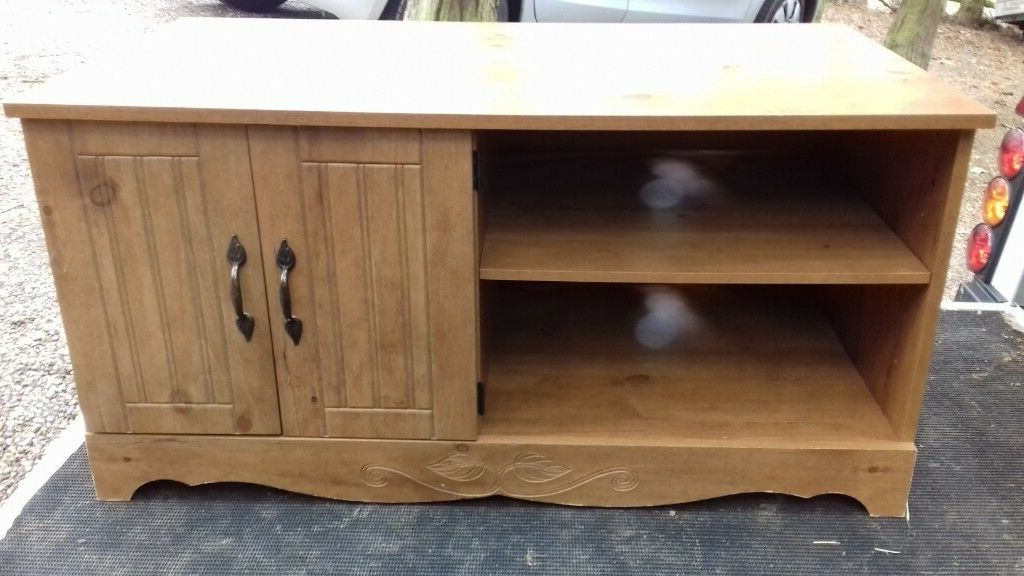 In In Fashionable Oak Furniture Tv Stands (View 6 of 20)