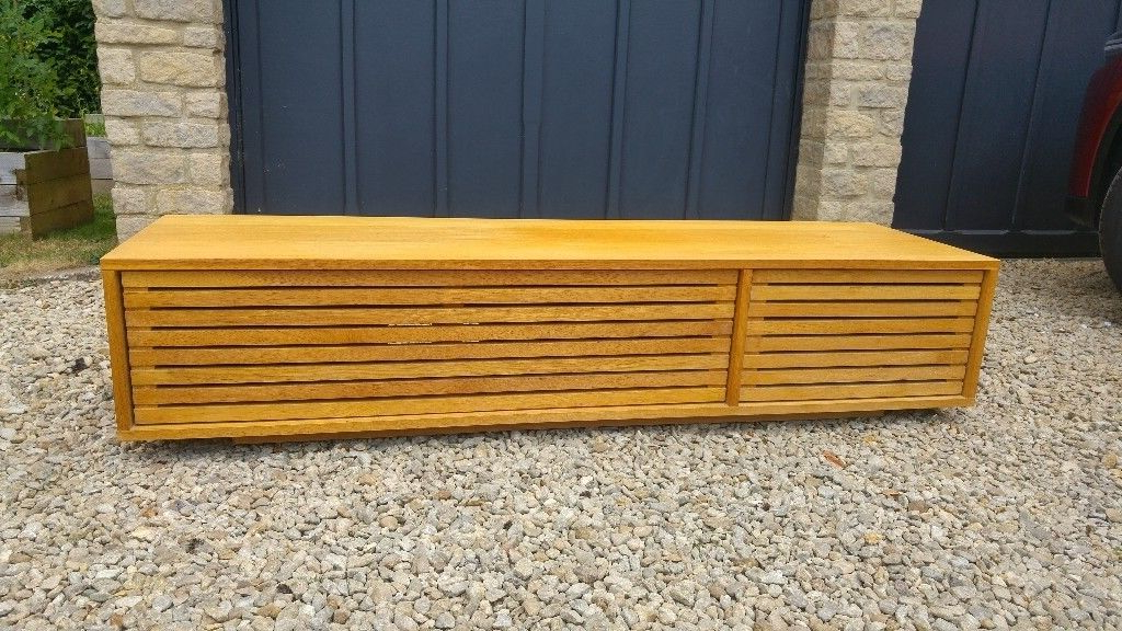 In Witney Pertaining To Well Known Large Oak Tv Stands (View 4 of 20)