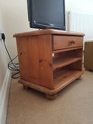 "Low Level Tv Storage Units Inside Famous Vintage Tv Stand / Entertainment Unit Yew Colour Low Level 30"" On (Gallery 20 of 20)"