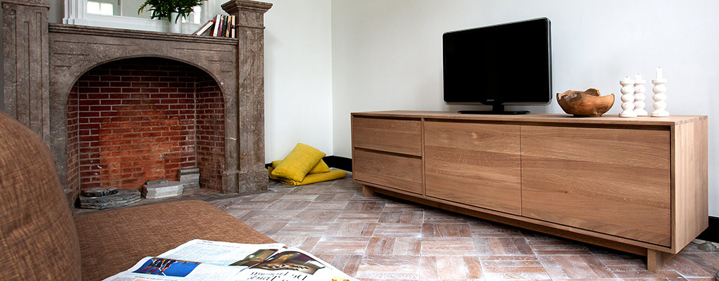 Most Recent Solid Oak Tv Cabinets Throughout Contemporary Oak Tv Units & Tv Tables – Solid Wood Furniture 4Living (View 10 of 20)
