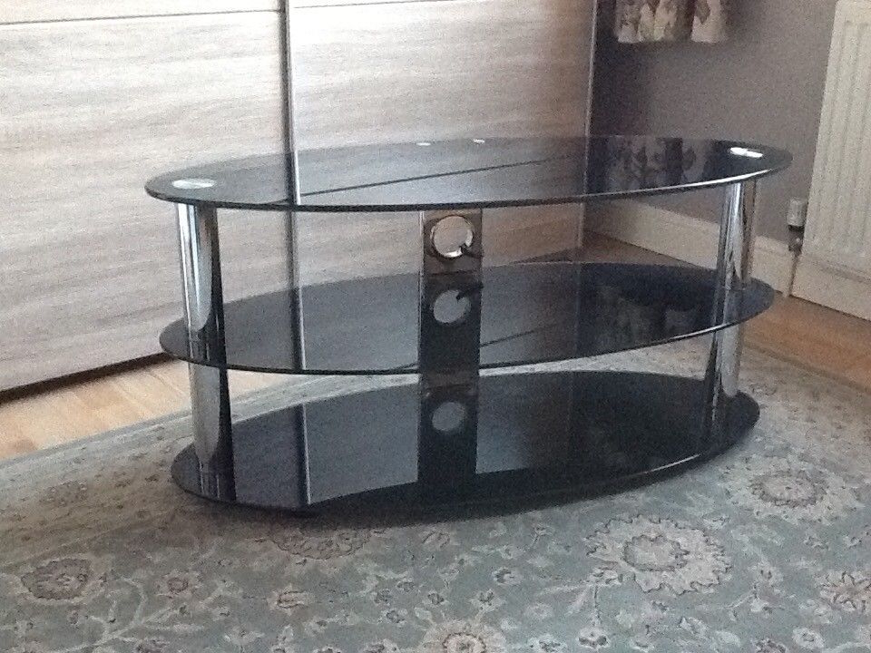 Newest Oval Glass Tv Stands With Oval Black Glass Tv Stand (View 7 of 20)