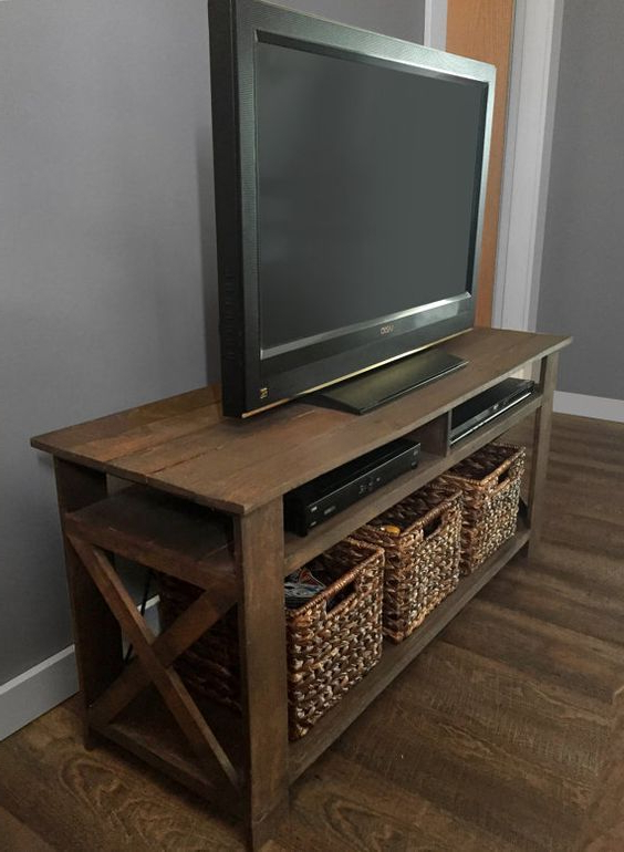Pallet Tv Stands & Entertainment Centers For Wood Tv Stands (View 3 of 20)
