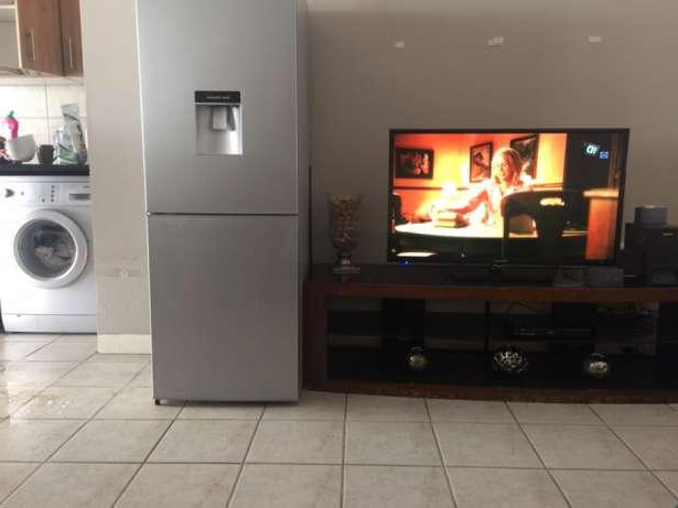 Plasma Tv Stand & Fridge For Sale In Johannesburg 【 Offers January With Fashionable Plasma Tv Stands (View 8 of 20)