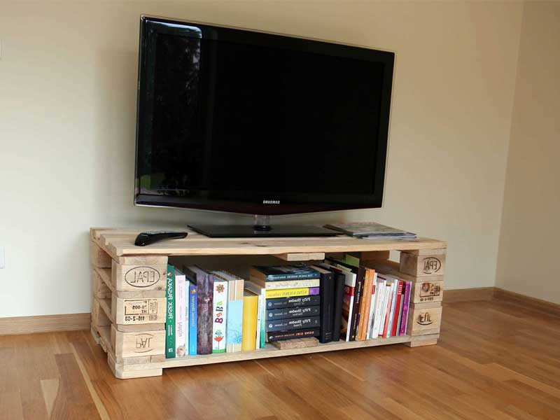 Rustic Wood Tv Cabinets Pertaining To Most Popular 21+ Diy Tv Stand Ideas For Your Weekend Home Project (View 11 of 20)