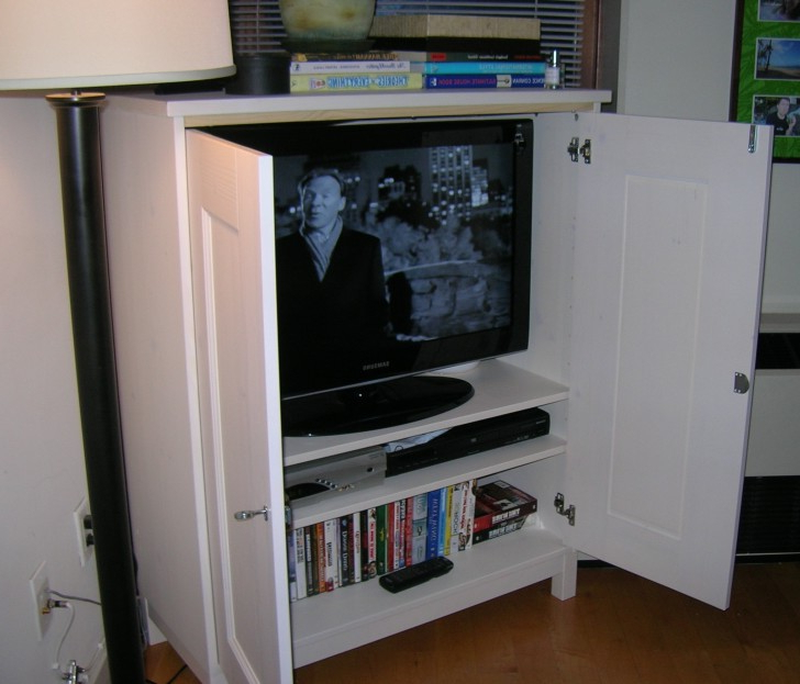 Trendy Enclosed Tv Cabinets For Flat Screens With Doors For Trudy Winstead (Mpwinstead) On Pinterest (View 19 of 20)