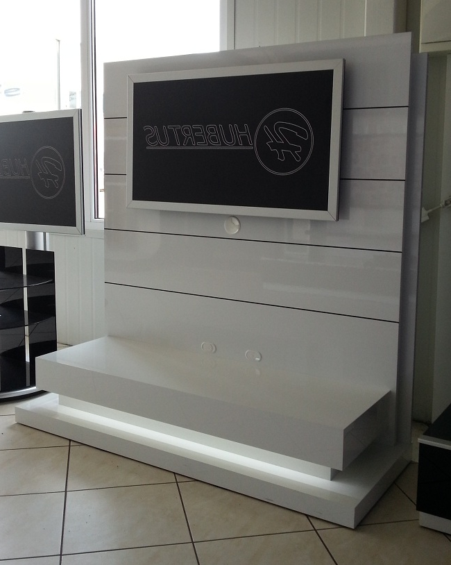 Trendy Free Standing Panorama Lux White Tv Stand With Panorama Tv Stands (Gallery 2 of 20)
