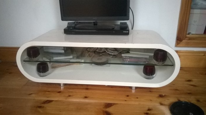 Trendy Techlink Ovid Curved White Gloss Tv Stand For Sale In Saggart Pertaining To Ovid White Tv Stand (View 11 of 20)