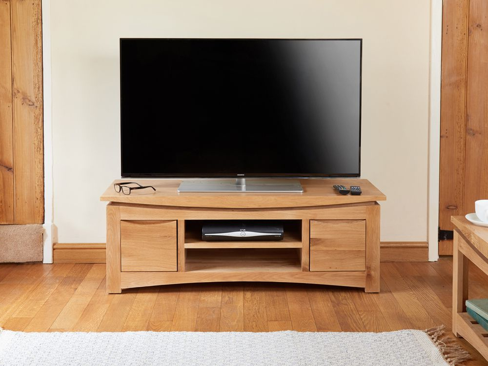 Well Known Oak Widescreen Tv Units Pertaining To Baumhaus Roscoe Solid Oak Widescreen Tv Unit – Free Delivery At (View 18 of 20)