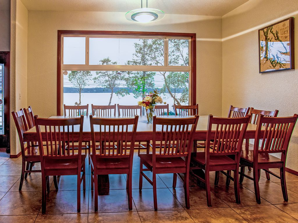 Brinnon Inside Hood Canal 3 Piece Dining Sets (Gallery 16 of 20)