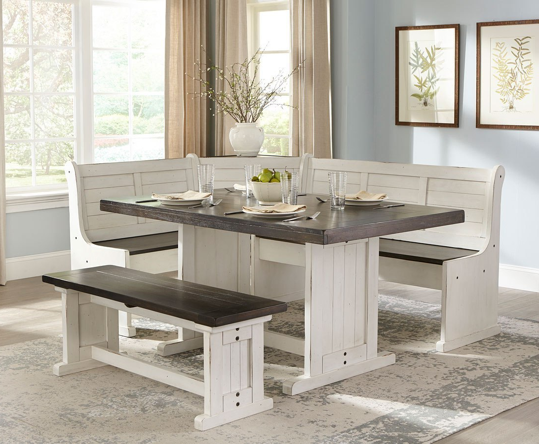 Carriage House Breakfast Nook Set Regarding Fashionable Liles 5 Piece Breakfast Nook Dining Sets (Gallery 8 of 20)