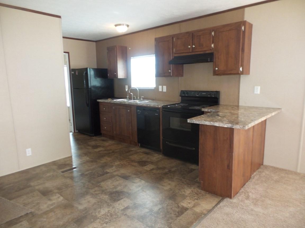Current Queener 5 Piece Dining Sets Within 875 Queener Rd, Jacksboro, Tn (View 16 of 20)