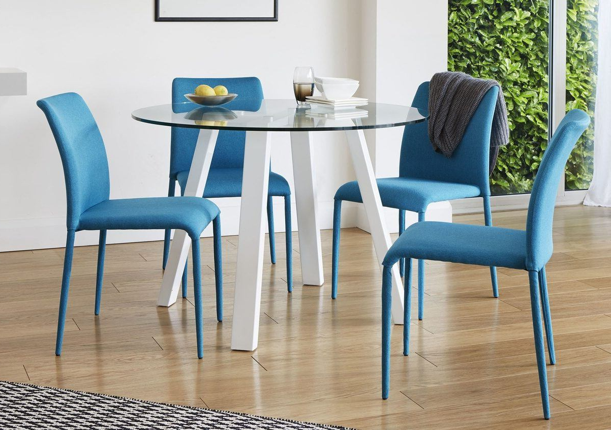 Latest Amir 5 Piece Solid Wood Dining Sets (Set Of 5) Throughout Dining Table Guide: How To Choose The Perfect Dining Table (Gallery 10 of 20)