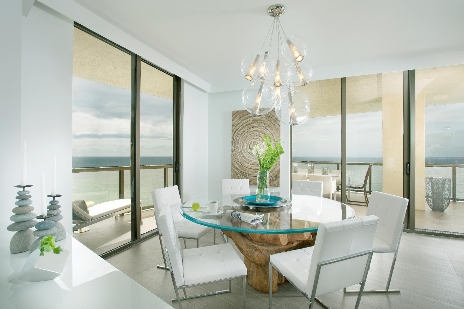 15 Elegant And Sophisticated Round Dining Tables For Your House In Favorite Elegance Small Round Dining Tables (View 28 of 30)