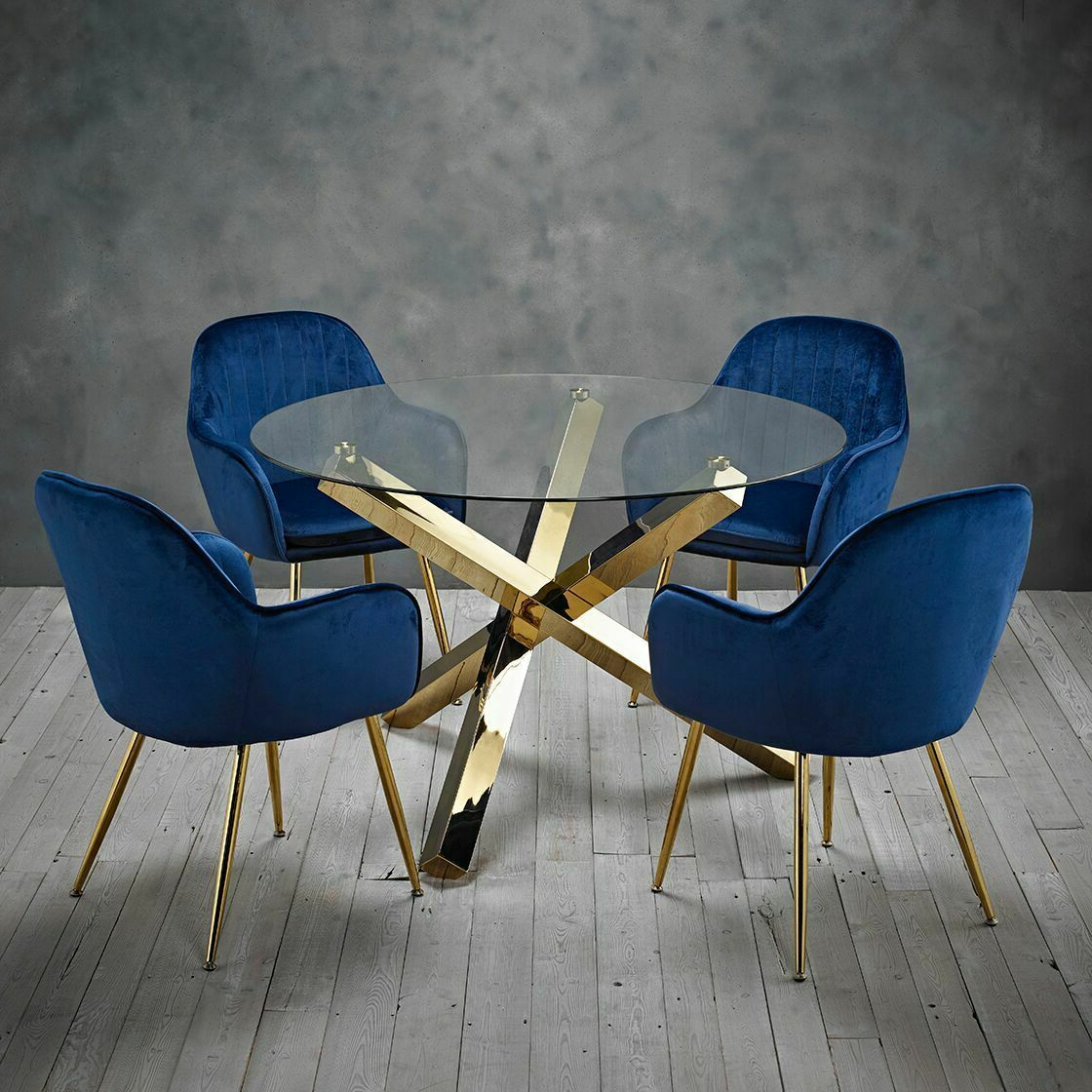 2017 Modern Polished Gold Round Clear Glass Dining Table Throughout Modern Gold Dining Tables With Clear Glass (View 2 of 30)