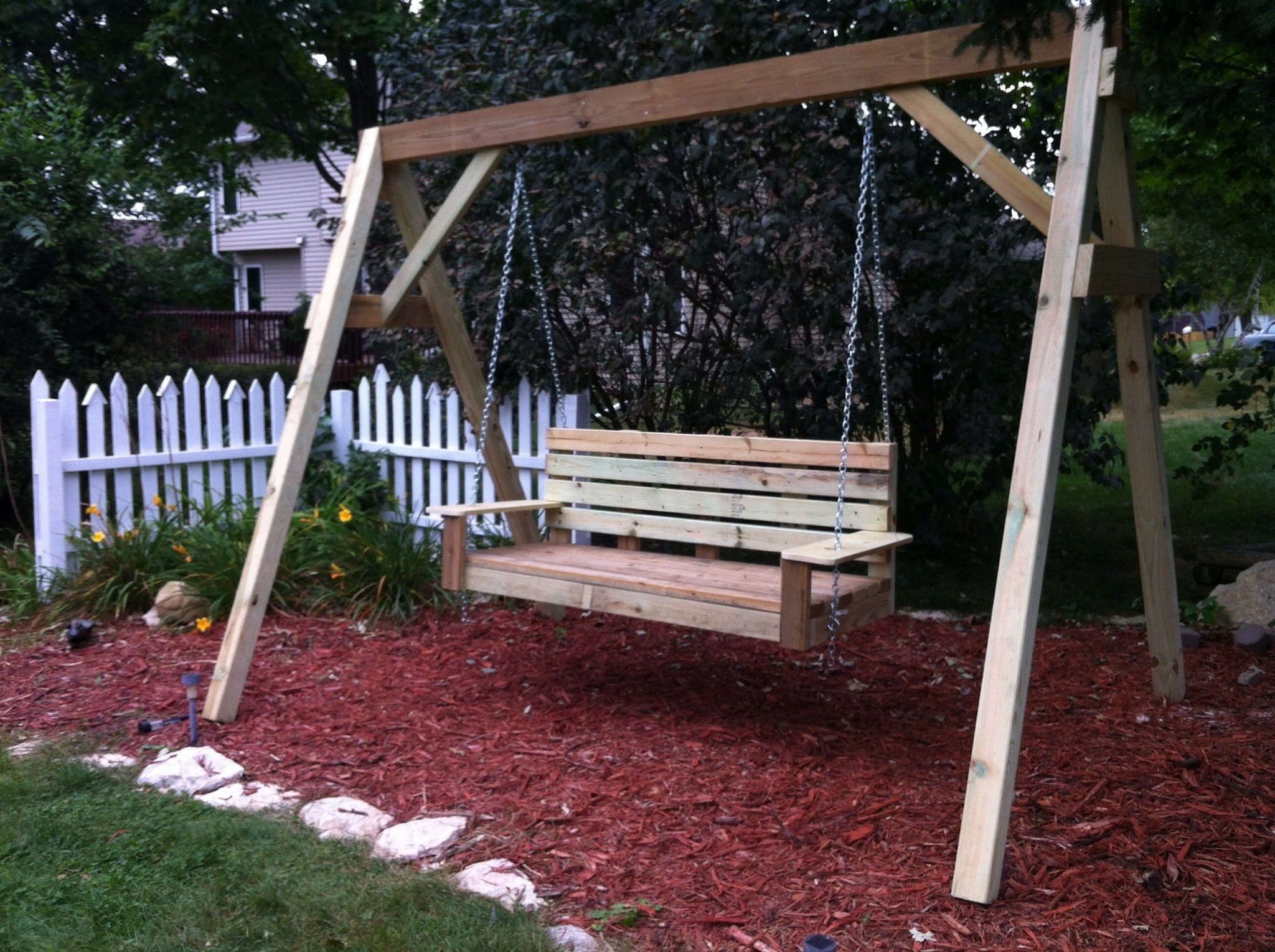 2019 Hardwood Hanging Porch Swings With Stand With 39+ Elegant Diy Outdoor Swings That No One Can Resist (Photo (View 3 of 30)