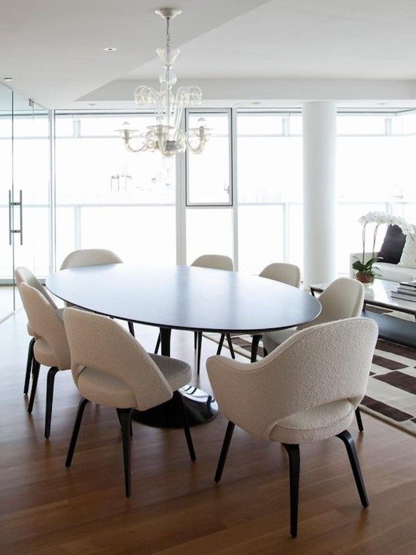 4 Seater Round Wooden Dining Tables With Chrome Legs Intended For Widely Used 15 Astounding Oval Dining Tables For Your Modern Dining Room (View 26 of 30)
