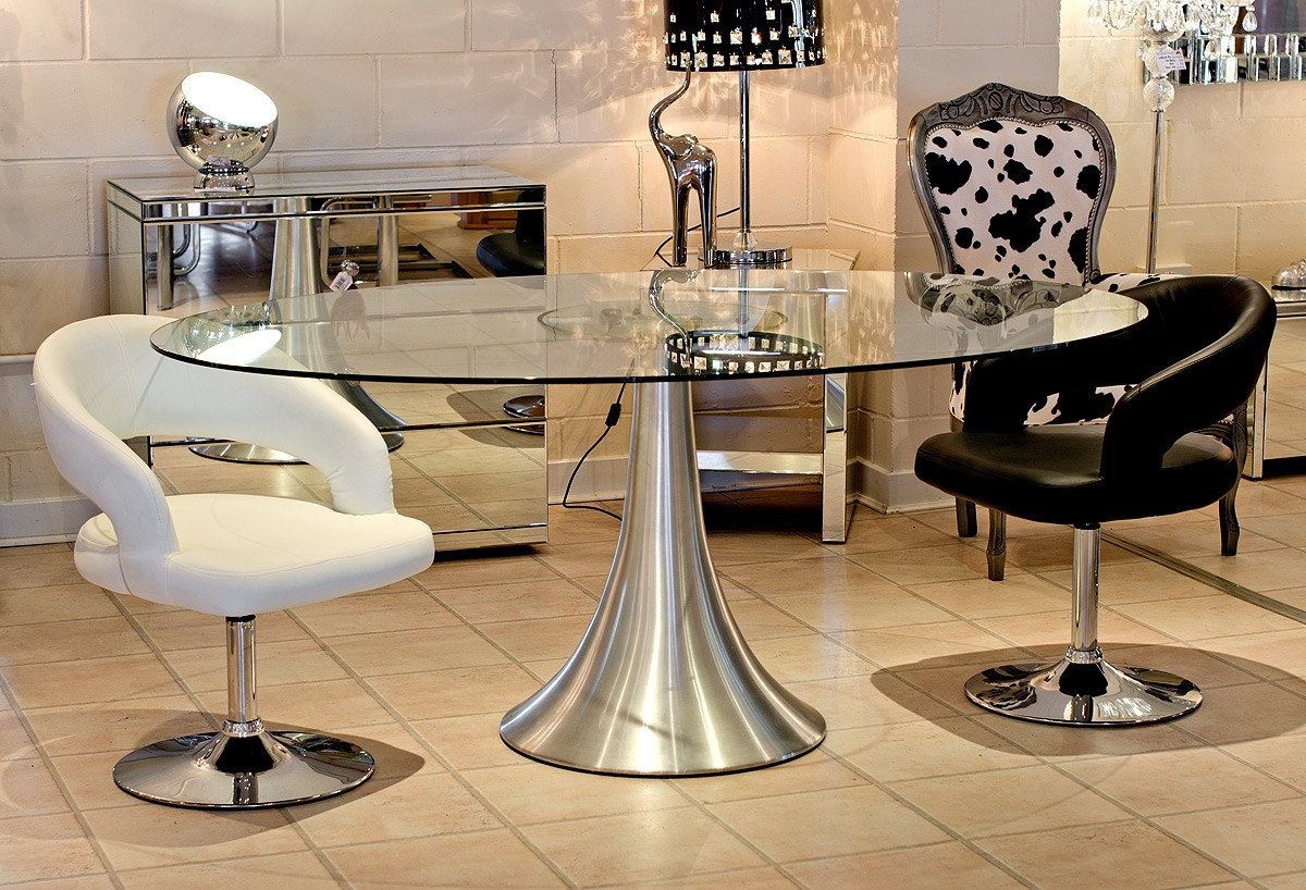 4 Seater Round Wooden Dining Tables With Chrome Legs With Famous Choosing The Type Of Modern Glass Dining Table That Suitable (View 27 of 30)