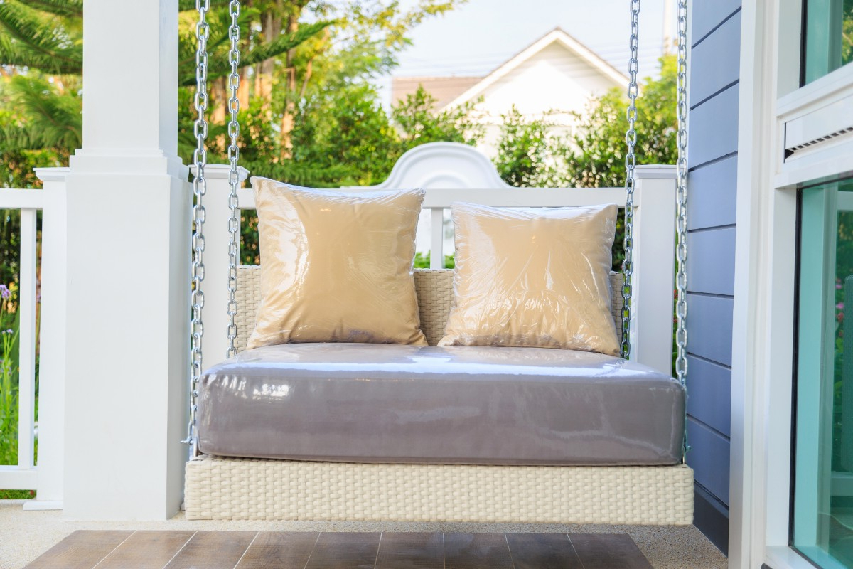 Canopy Patio Porch Swings With Pillows And Cup Holders Intended For Well Liked Top 5 Porch Swings For Rest & Relaxation – True Relaxations (Gallery 21 of 30)