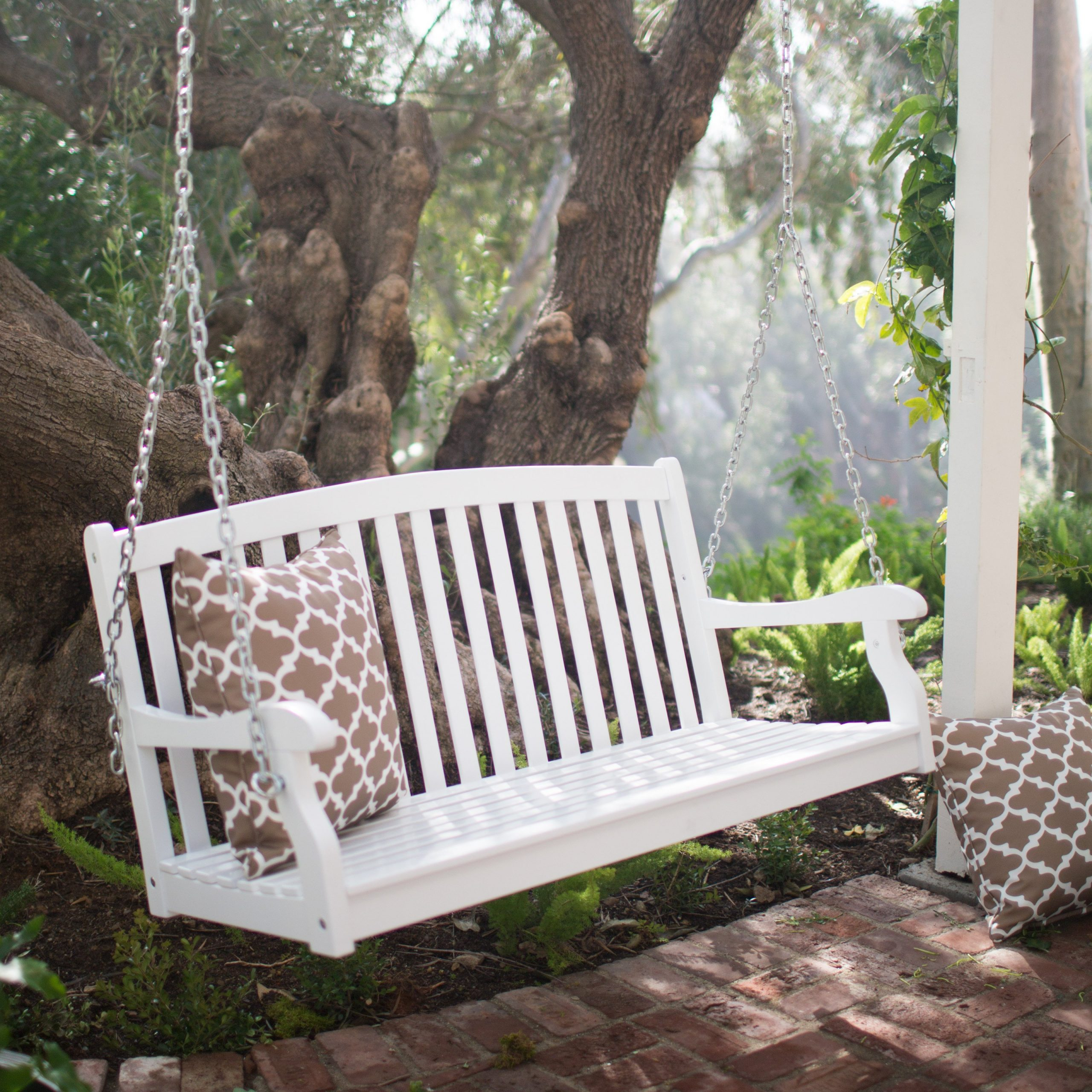 Coral Coast Pleasant Bay White Curved Back Porch Swing With With Regard To Famous Porch Swings (View 10 of 30)