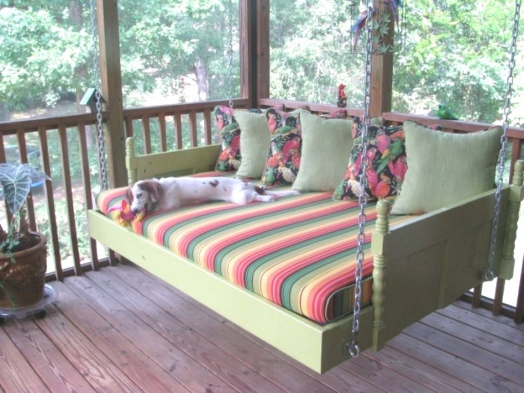 Day Bed Porch Swings In Most Current Swinging Porch Bedrooms Seven Reasons Tourists Love Swing (View 14 of 30)