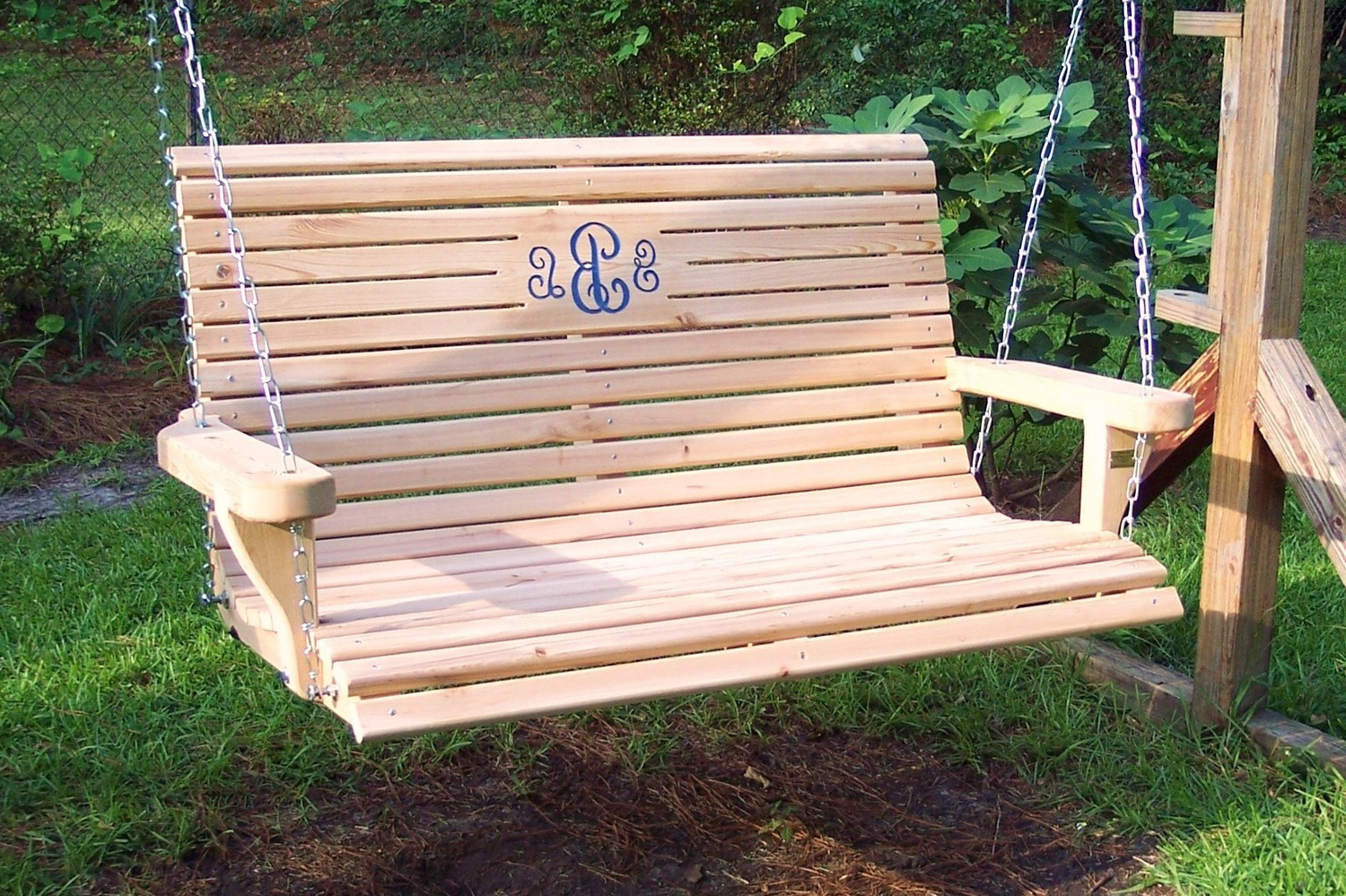 Famous 39 Dreamy Porch Swings That Abound Elegance (Pictures For Hardwood Hanging Porch Swings With Stand (View 5 of 30)