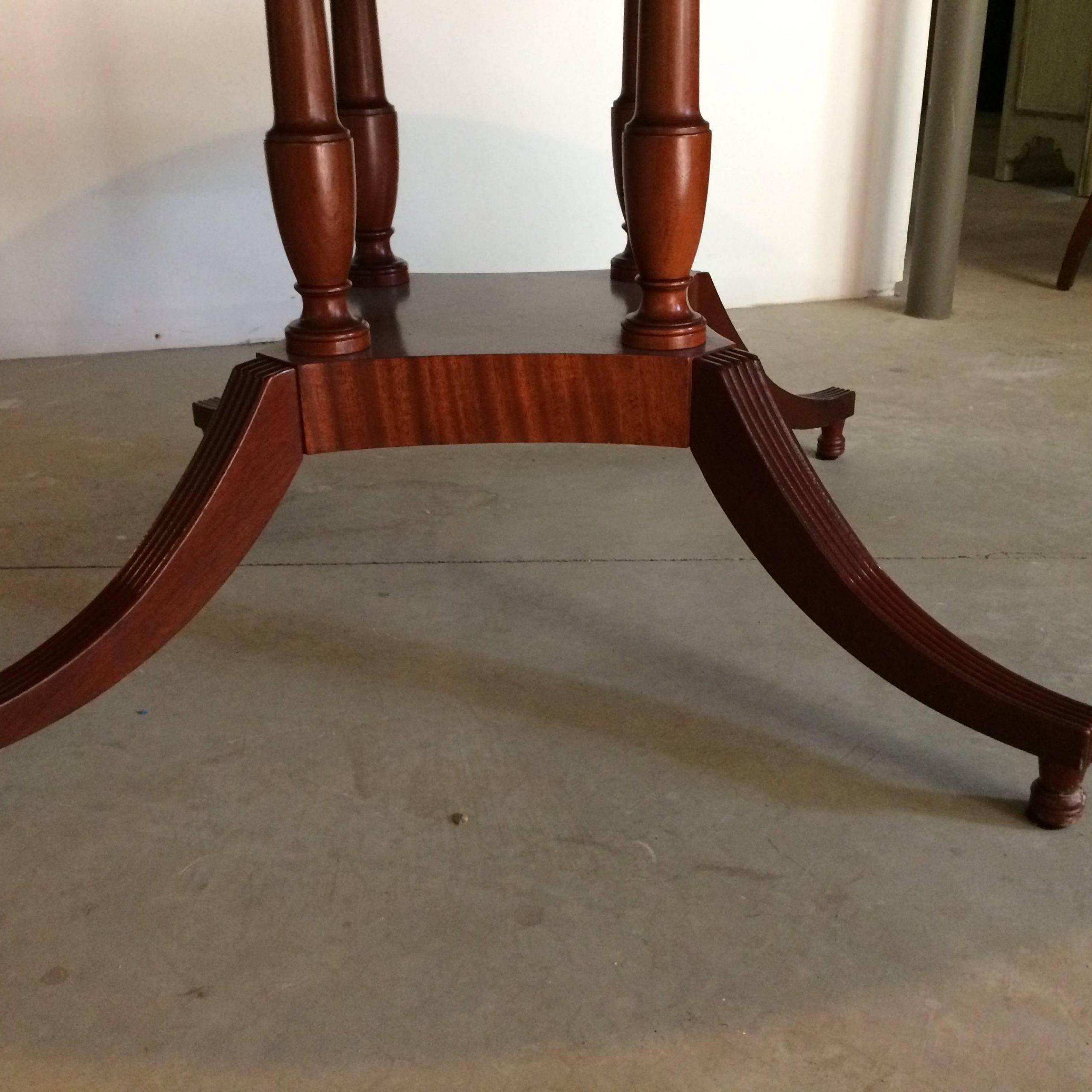 Famous Elegant Large Round Mahogany Dining Tablebaker At 1stdibs In Elegance Large Round Dining Tables (View 19 of 30)