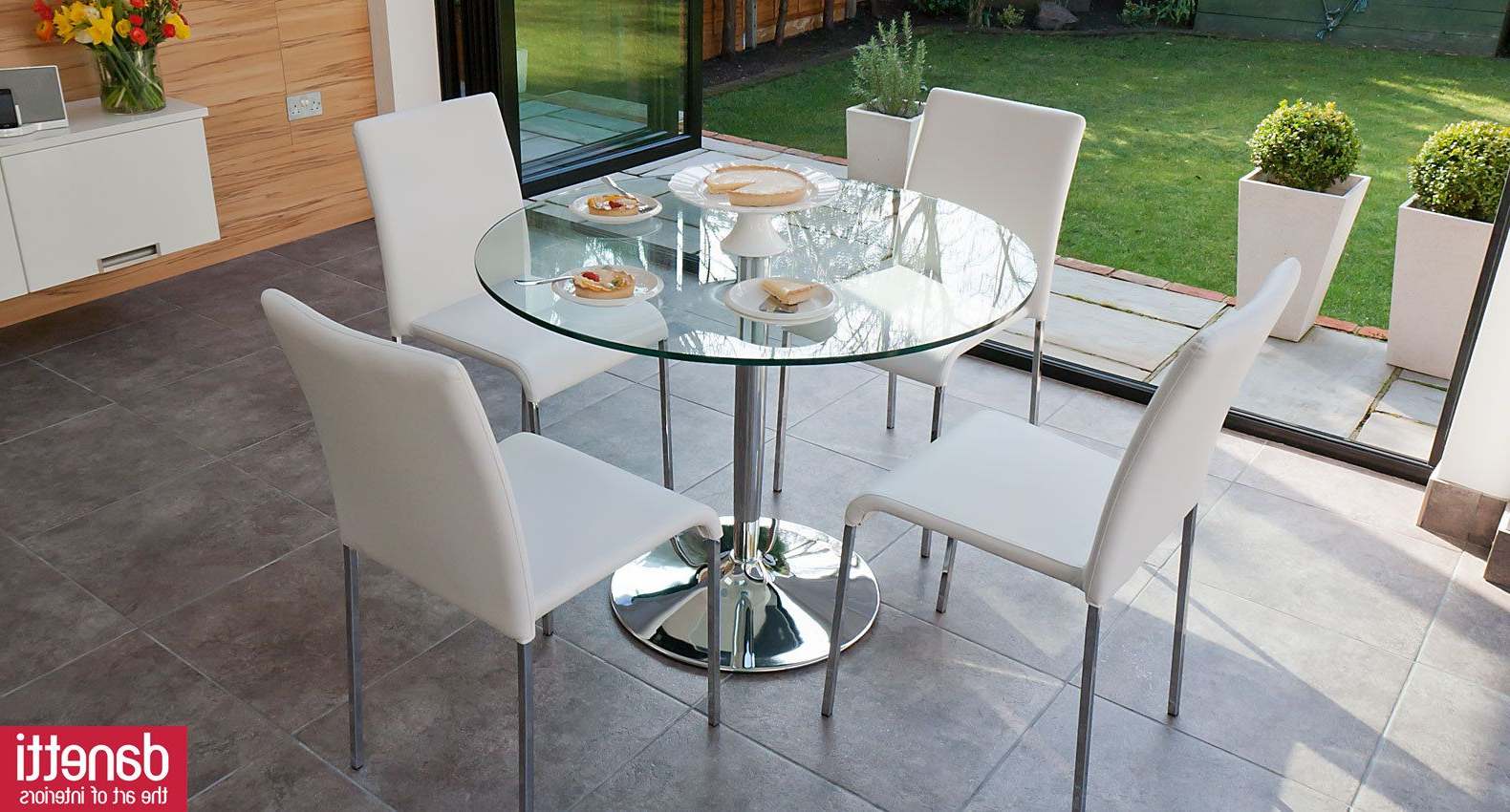 Fashionable Naro Clear Glass And Tori 4 Seater Dining Set (Gallery 3 of 30)