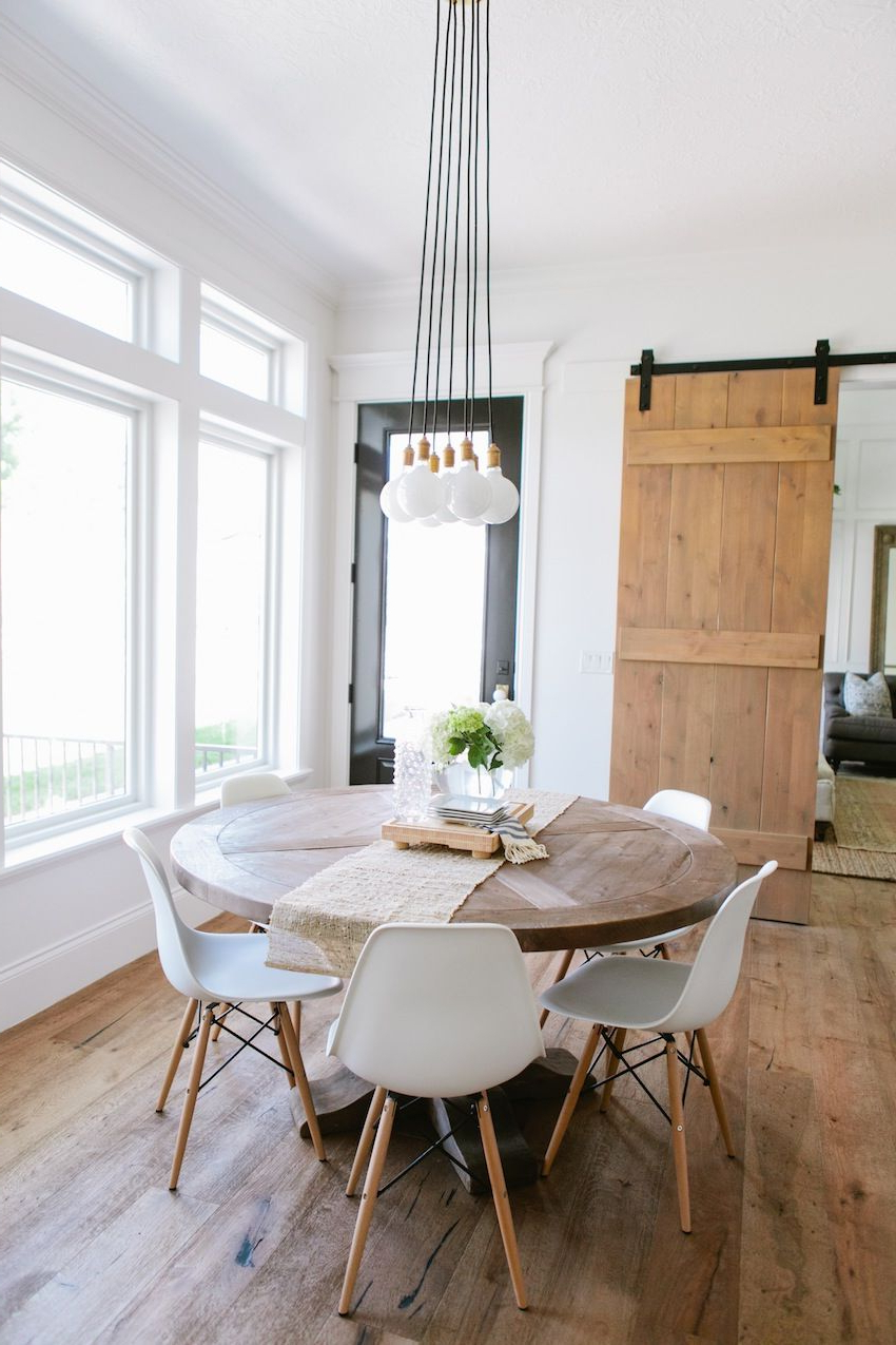 Favorite Solid Wood Circular Dining Tables White Throughout Top 10 Modern Round Dining Tables (View 17 of 30)