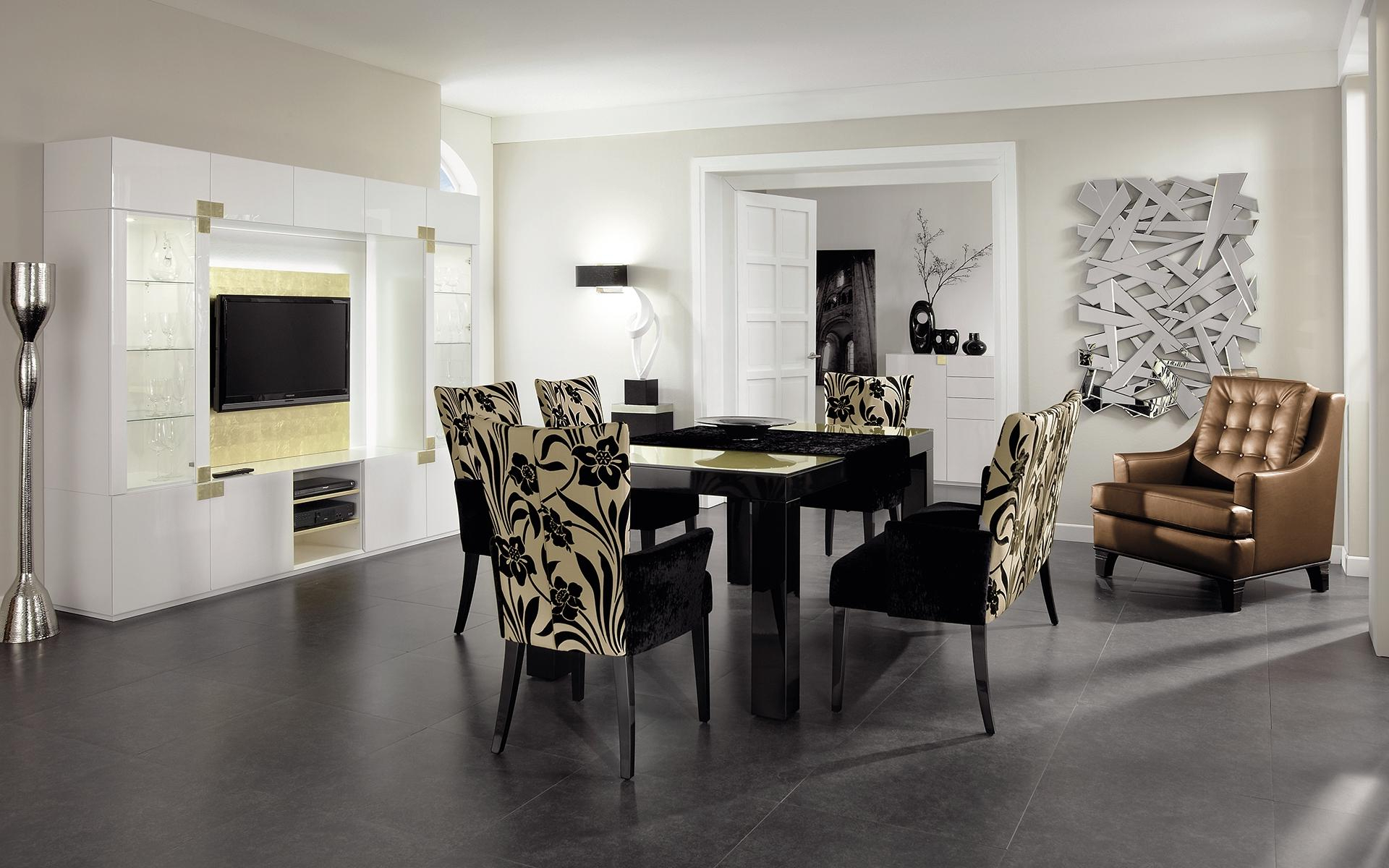 Finkeldei In Glass Top Condo Dining Tables (View 7 of 30)