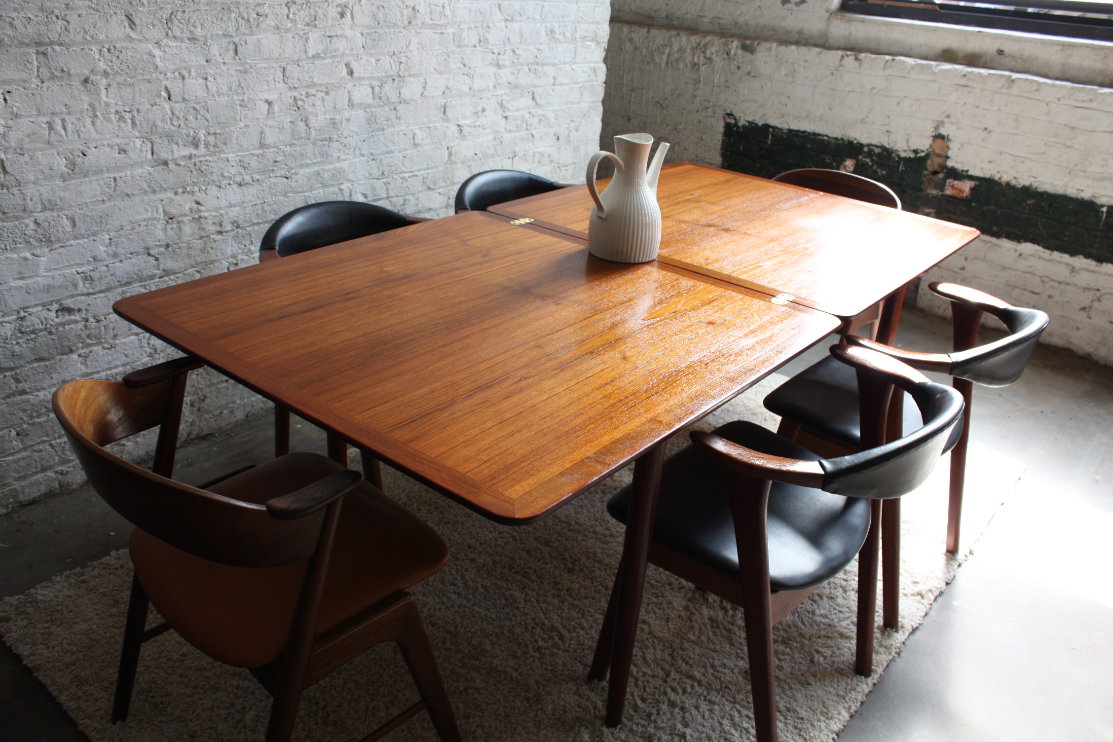 Floors & Rugs. Charming Expandable Round Dining Table For Regarding Preferred Small Round Dining Tables With Reclaimed Wood (Gallery 23 of 30)