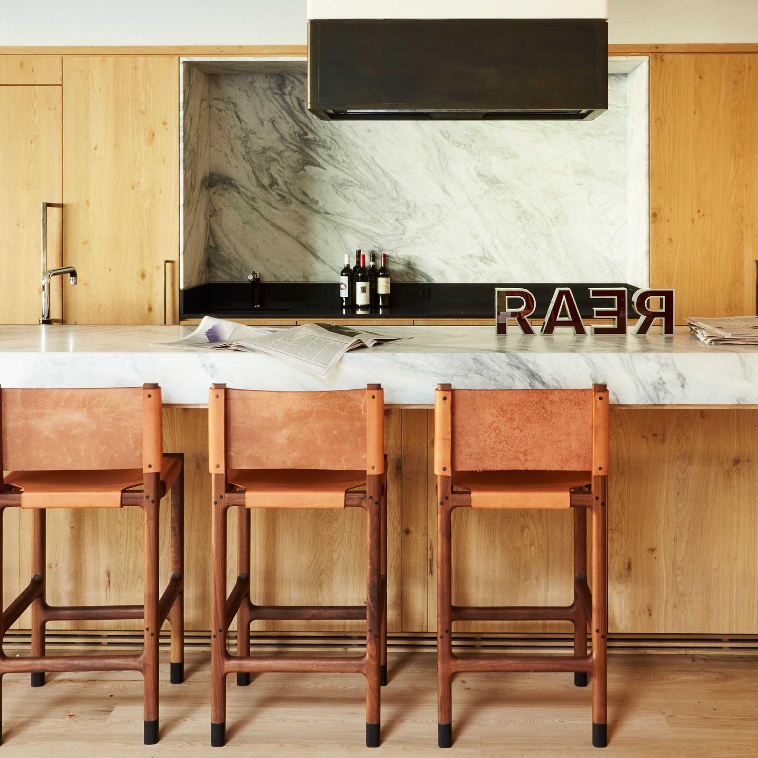Glass Top Condo Dining Tables Throughout Widely Used 35 Sleek & Inspiring Contemporary Kitchen Design Ideas (View 11 of 30)