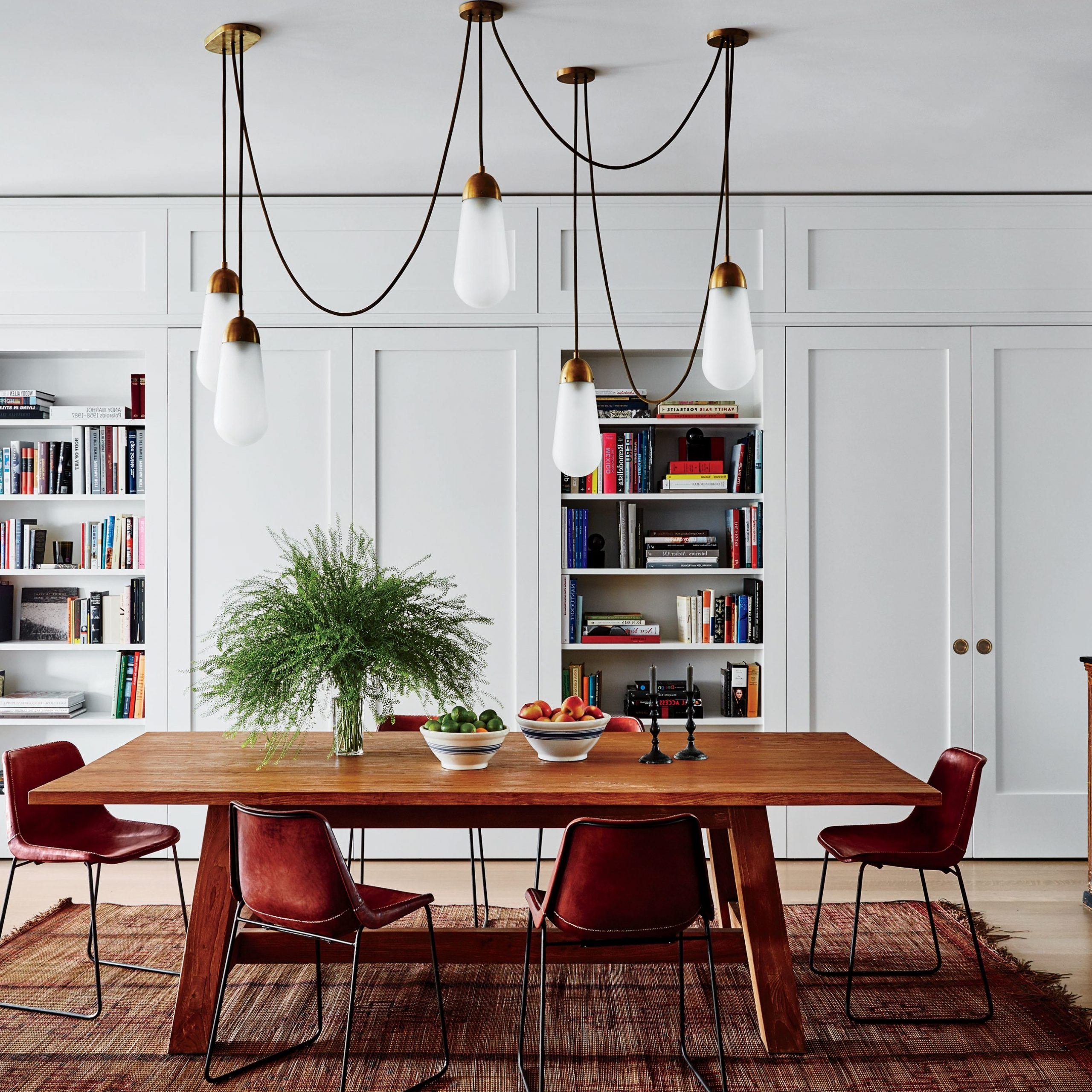 Medium Elegant Dining Tables Pertaining To Popular Step Inside 47 Celebrity Dining Rooms (Gallery 29 of 30)