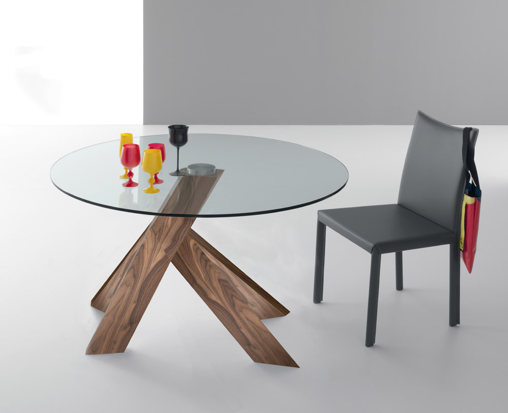 Moa Dining Tables Throughout Most Current Retro Round Glasstop Dining Tables (Gallery 5 of 30)