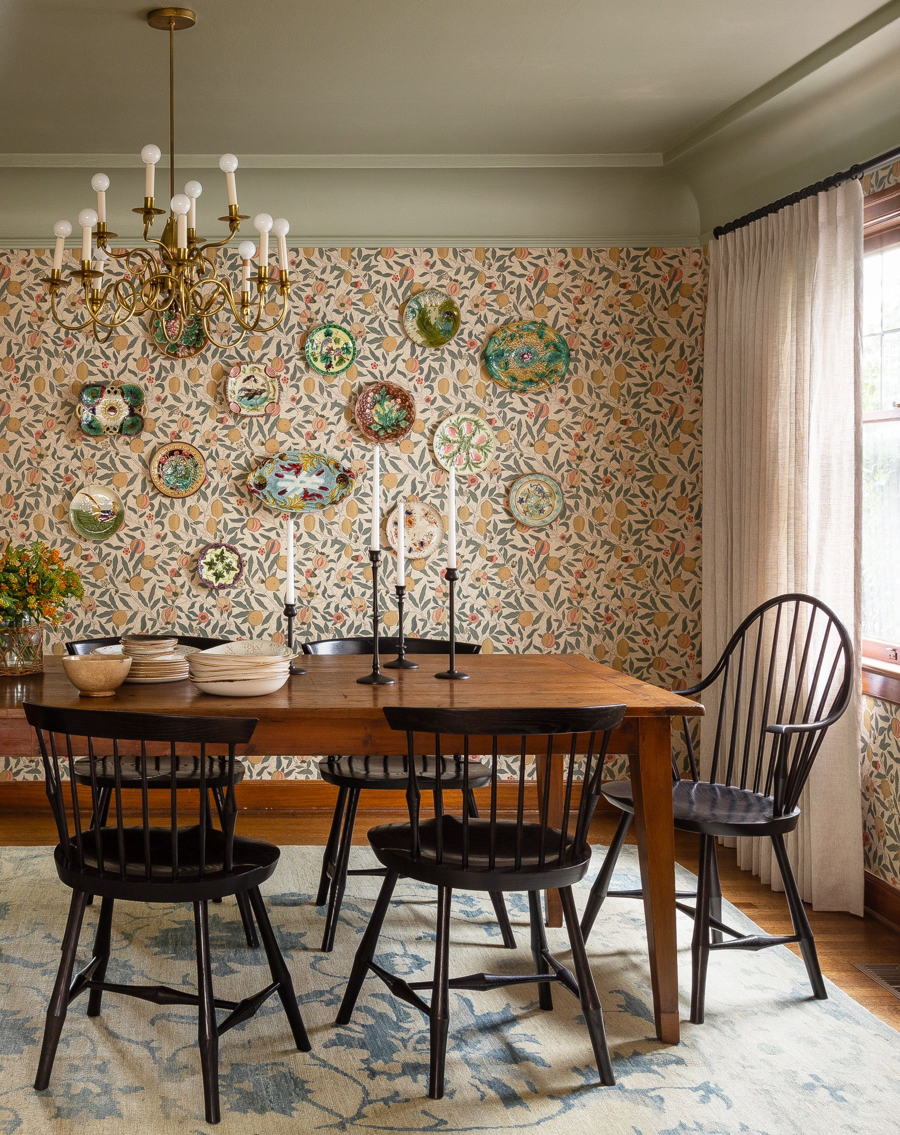 Morris Round Dining Tables Within Most Popular 55 Best Dining Room Decorating Ideas, Furniture, Designs (Gallery 11 of 30)