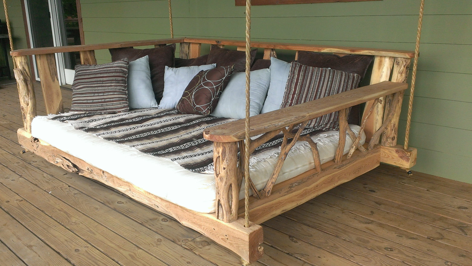 Most Current Daybed Porch Swings With Stand With Regard To 15 Custom Handcrafted Porch Swing Designs – Style Motivation (Gallery 11 of 30)