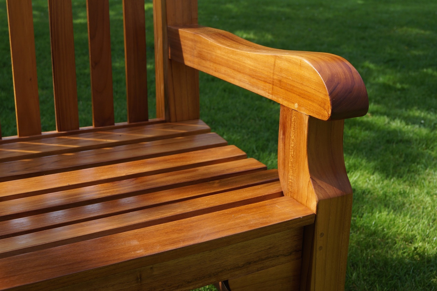 Most Popular Wooden Garden Bench For Wood Garden Benches (View 11 of 30)